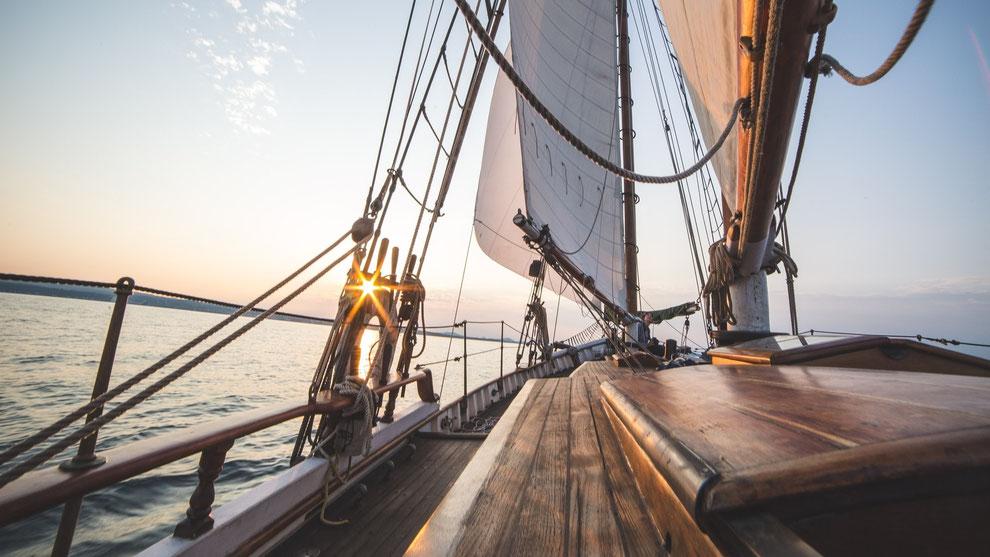 Excursiones en velero. Veleros,Yates y Goletas