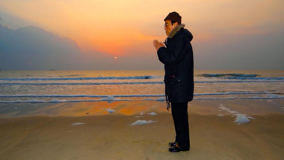2  .   한국의 화합과 참평화 통일을 기원합니다    라동섭 선생