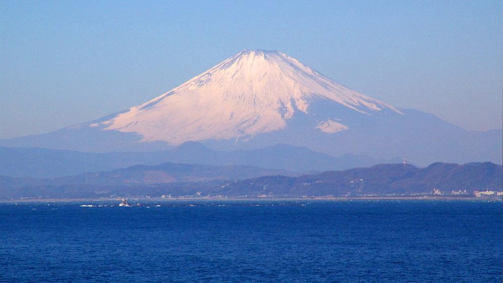 3  .   世界の自然遺産   日本  神奈川  三浦半島 鎌倉 江ノ島 富士山 冬の風景