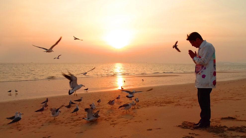 韓国の和合と真の平和統一を願っています  .    TRUST MUSEUM 真の愛の 世界平和統一 運動家 ドチョン ギム サンギ 先生