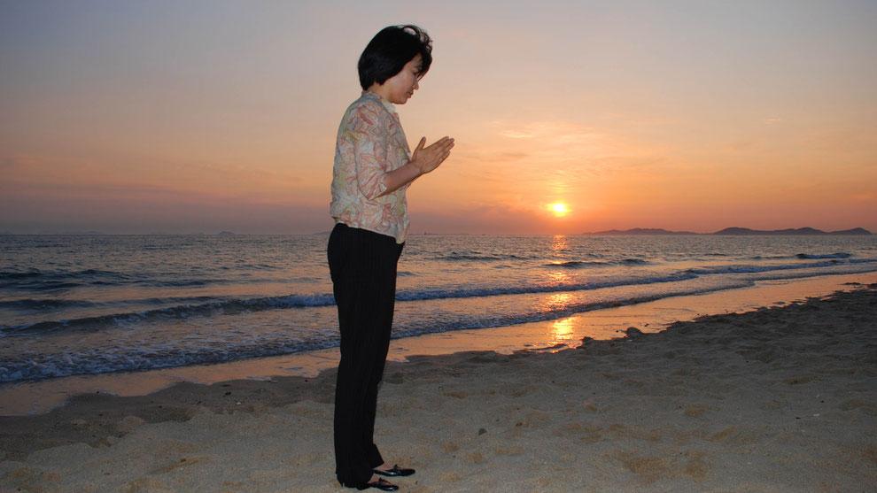 6  .   한국의 화합과 참평화 통일을 기원합니다