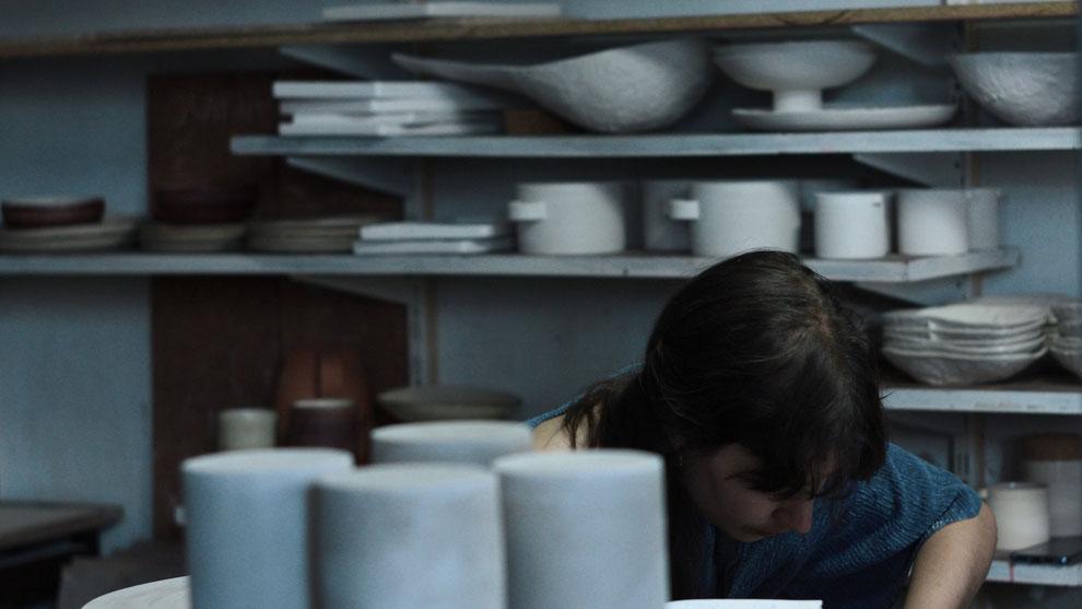 Mariana Filipe, Werkstatt Lissabon, bei der Arbeit