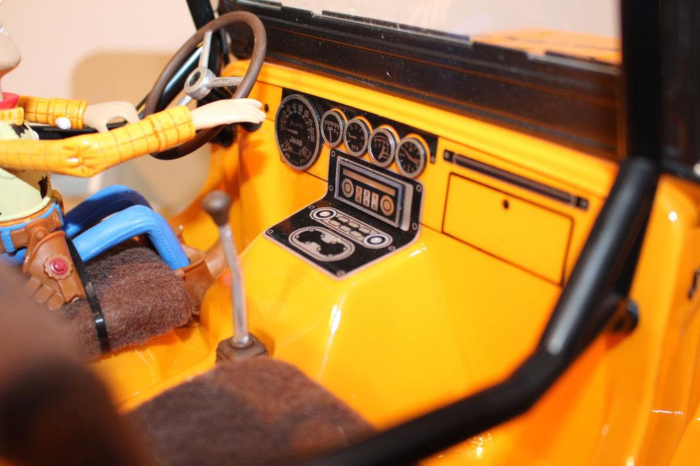 "Axial SCX10 Jeep Cockpit ""Sawback"""