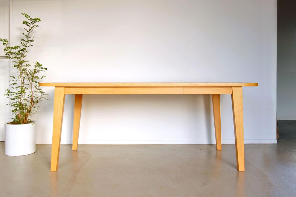 無垢材・ダイニングテーブル・引き出し付き