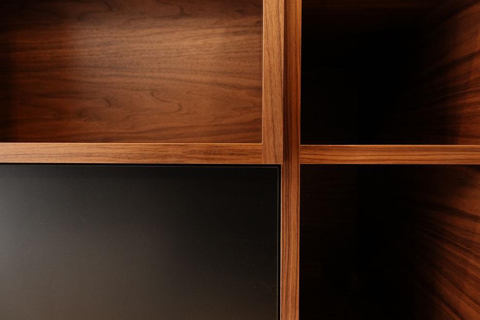 キッチンバックカウンター デザイン 造作家具 扉 収まり