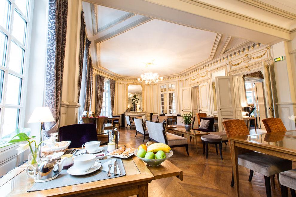 Hôtel Marotte 5 étoiles, hôtel de charme, hôtel de luxe, boutique hôtel Amiens, cosy et chic, proche de la gare et de la cathédrale, salle de petit déjeuner, petit déjeuner continental et occidental, salon de thé