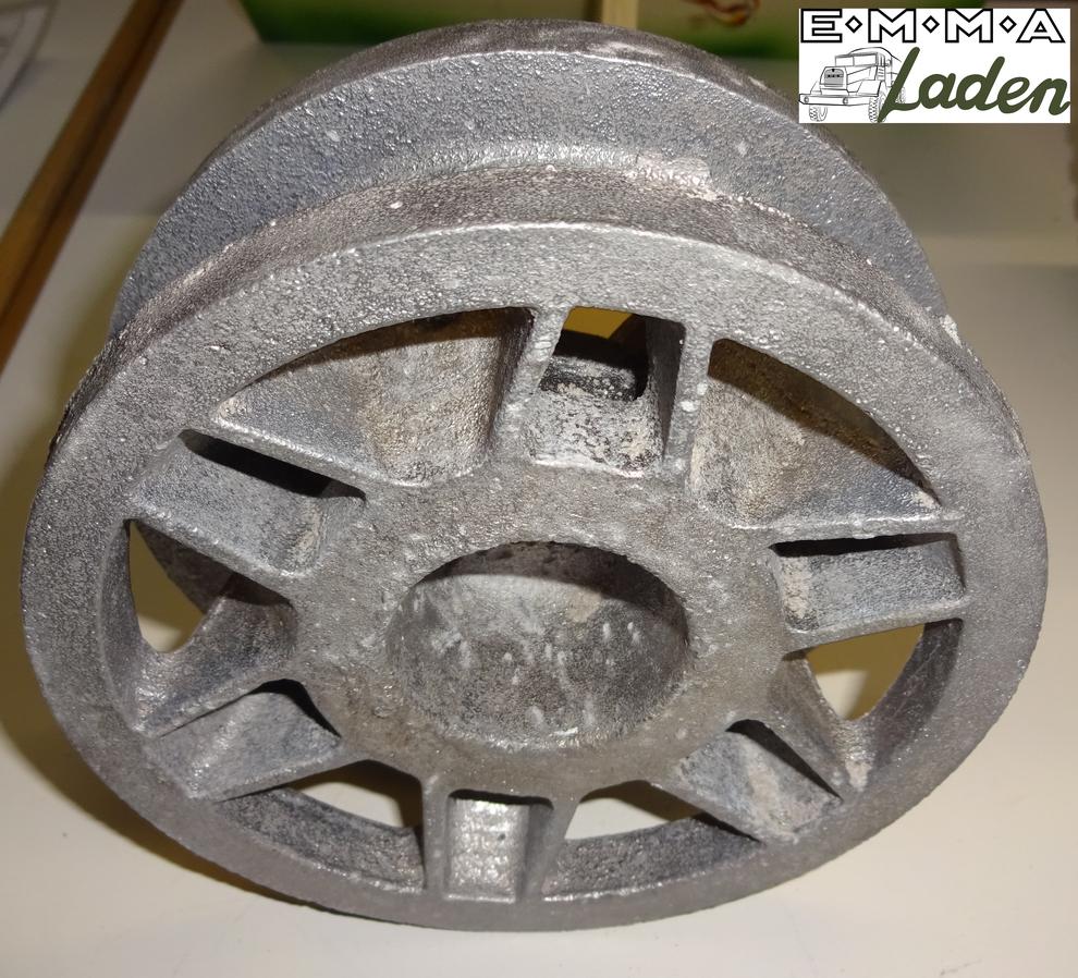 Kettenrad für einen Panzer 4 im Maßstab 1:5 aus Aluminiumguss.