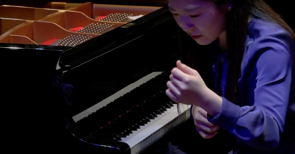 Miku Arizono (Livorno Piano Competition, January 2020) © 2R Studio Produzioni Multimediali