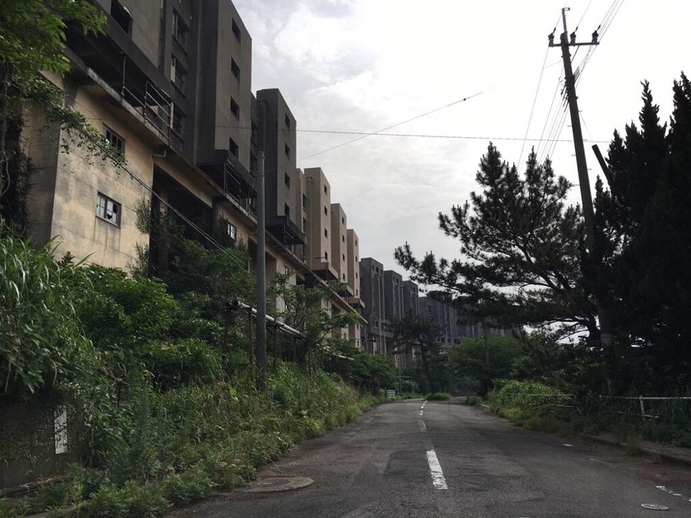 八階建てアパート