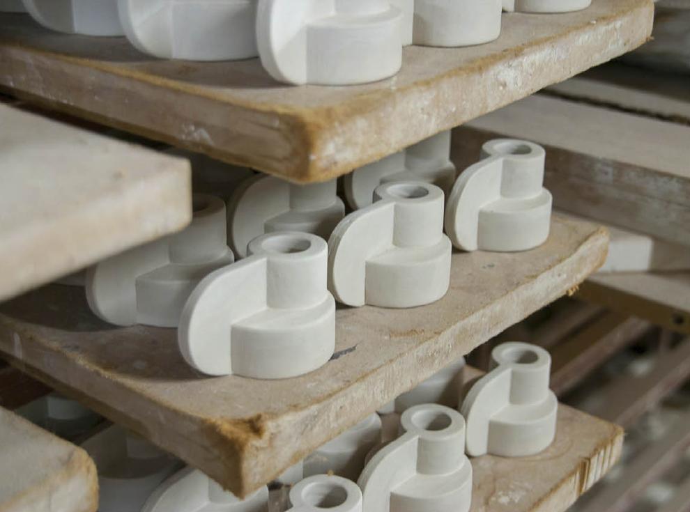 Candela, Kerzenständer in Produktion