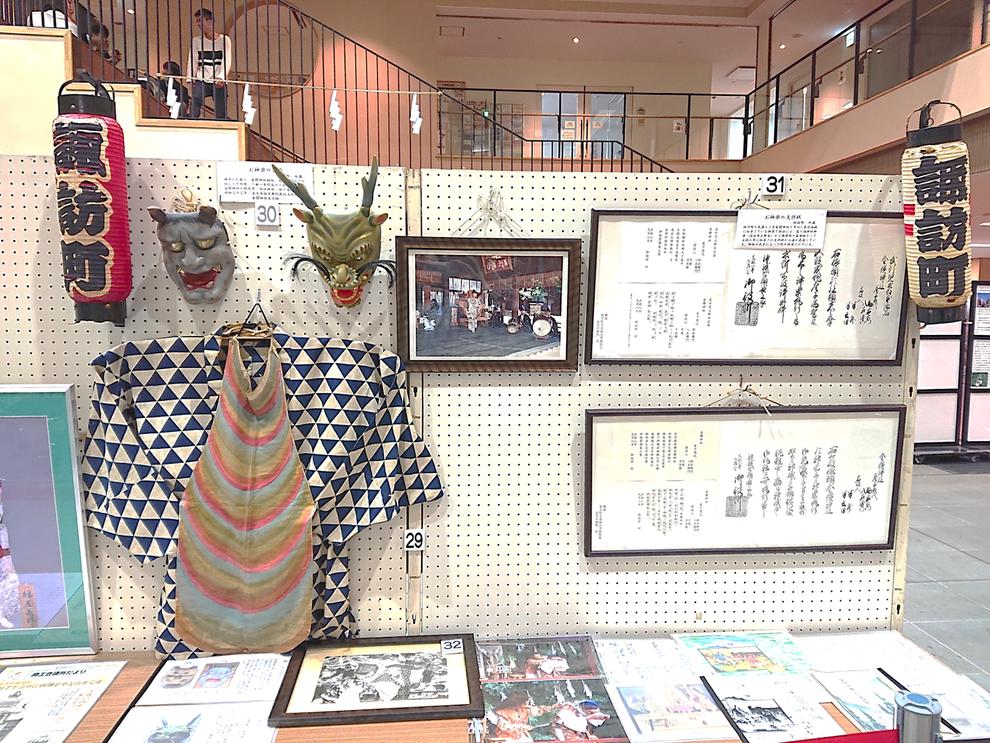 金鑚神楽に関係する展示物(2019年はにぽんプラザで開催の「本庄祭りと各町の展示物」の諏訪町コーナーより)