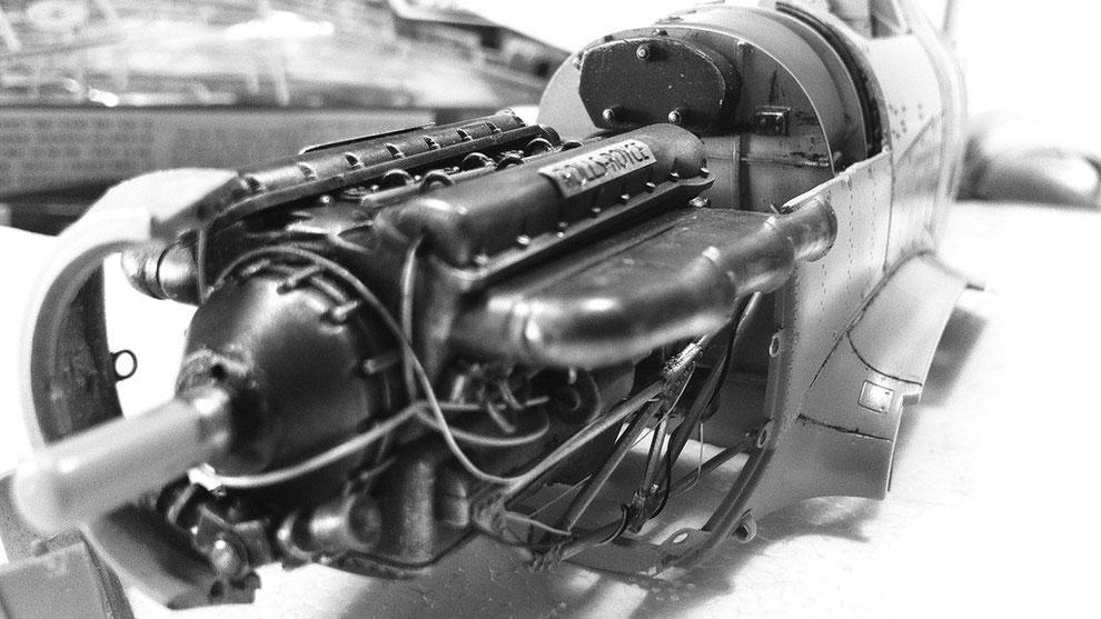Rolls Royce Merlin XX  by Trumpeter model kit Hawker Hurricane MkII c - scale 1:24