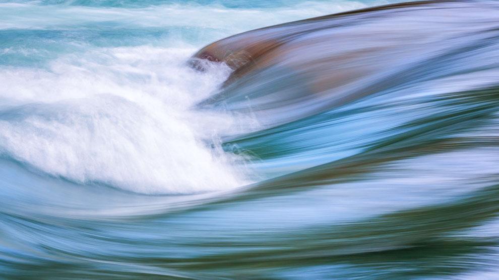Waves Jostedola, Jostedal Glacier National Park © JurjenVeerman