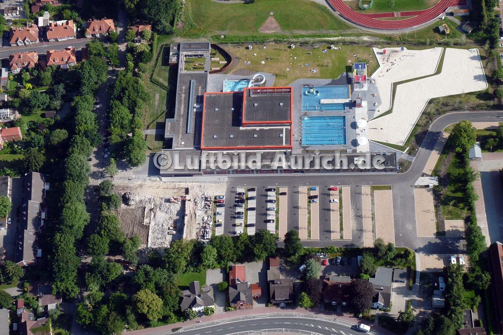 Nun ist auch das alte Auricher Hallenbad verschwunden!