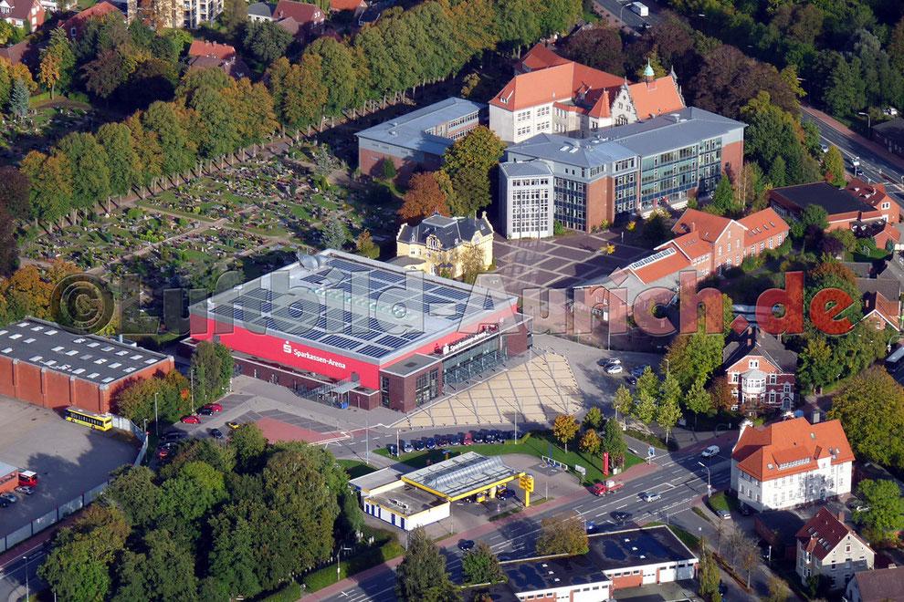 Sparkassen Arena und Gymnasium