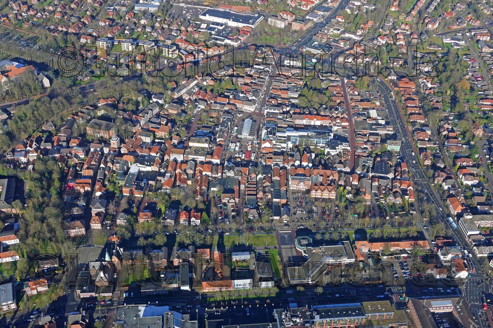 Die Innenstadt mit Marktplatz - Wochenmarkt