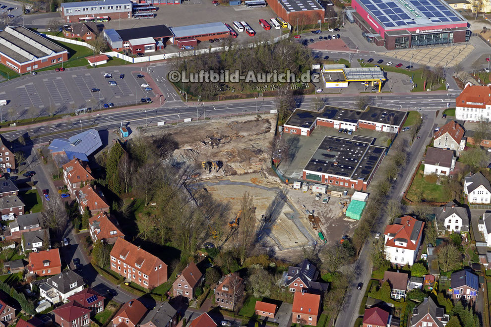 Das Gelände an der Emder Straße (ehem. Bullenhalle) wird für den Kino-Neubau vorbereitet.
