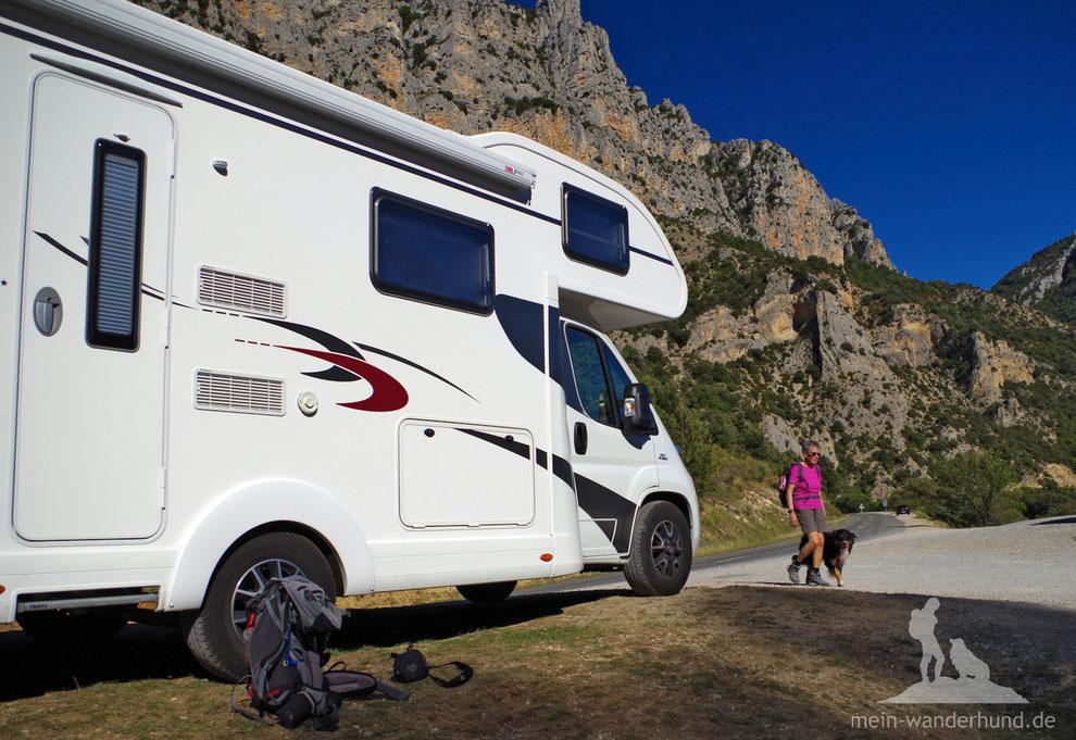 Wandern mit Hund; Urlaub mit Hund in Südfrankreich; Urlaub mit Hund im Wohnmobil