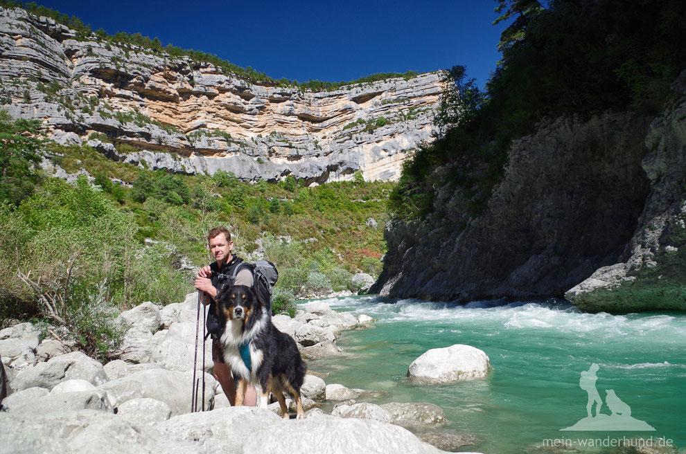 Mit Hund in der Verdonschlucht auf Wandertour