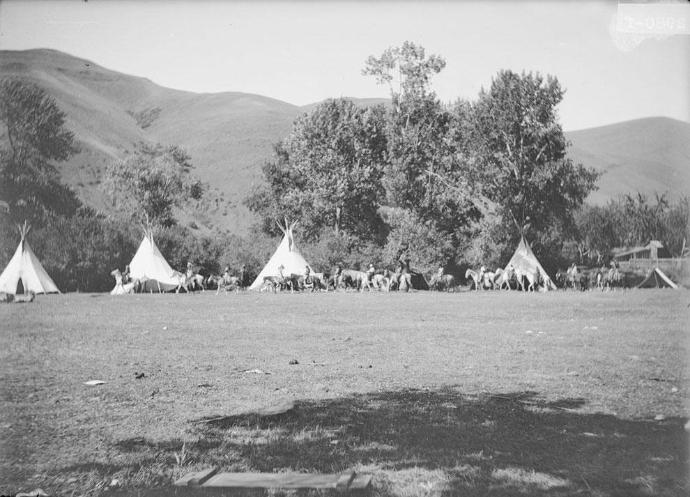 Camp der Nez Perce am Clearwater River!