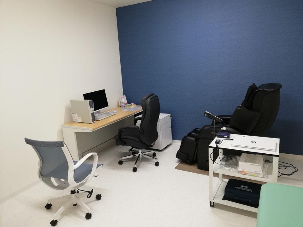 エメラルド整形外科疼痛クリニックでは、第3診察室をバイオフィードバック専用室としており、ここでバイオフィードバック療法や瞑想を行っています。