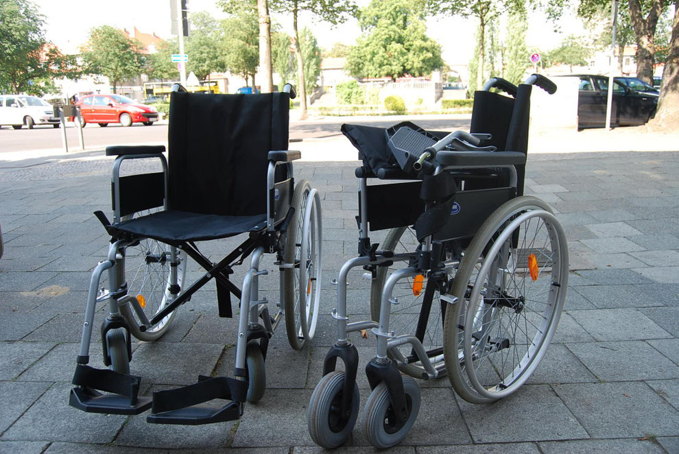Leichtgewichtsrollstühle faltbar