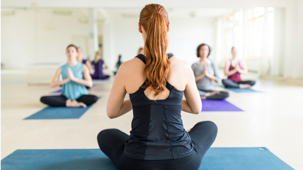 Cours de yoga et meditation au centre de yoga traditionnel de tours, sonia djaoui
