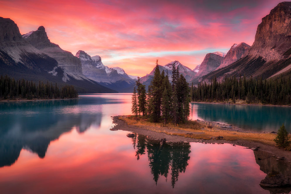 Magnificent sunrise at Spirit Island, maligne lake
