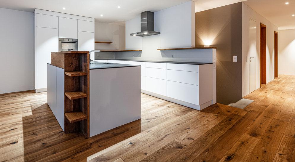 Küchengeräte mit Altholz