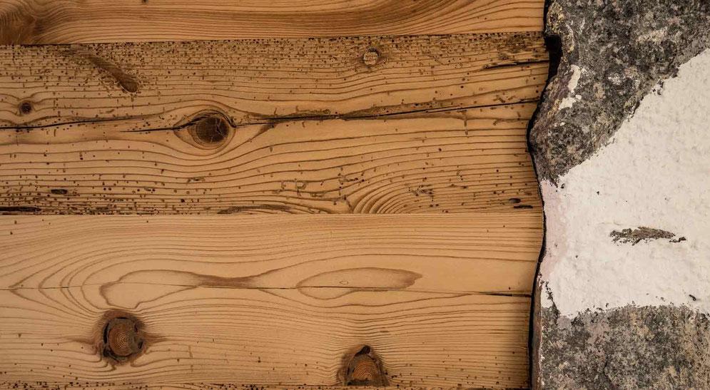 Eingepasste Holzblende
