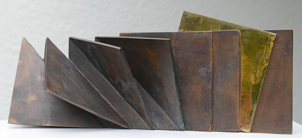 Entfaltung - Bronzeskulptur von Ines Mösle
