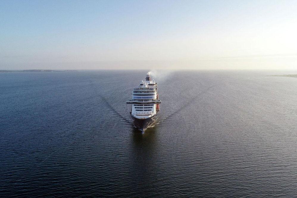 Mein Schiff 1 auf See
