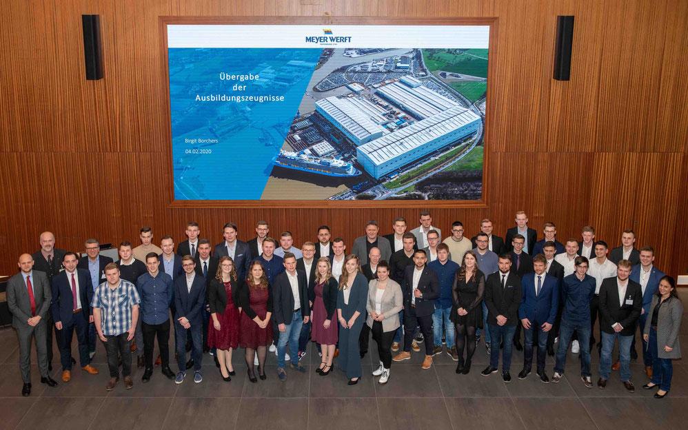 Meyer Werft Auszubildende absolvieren Abschlussprüfung