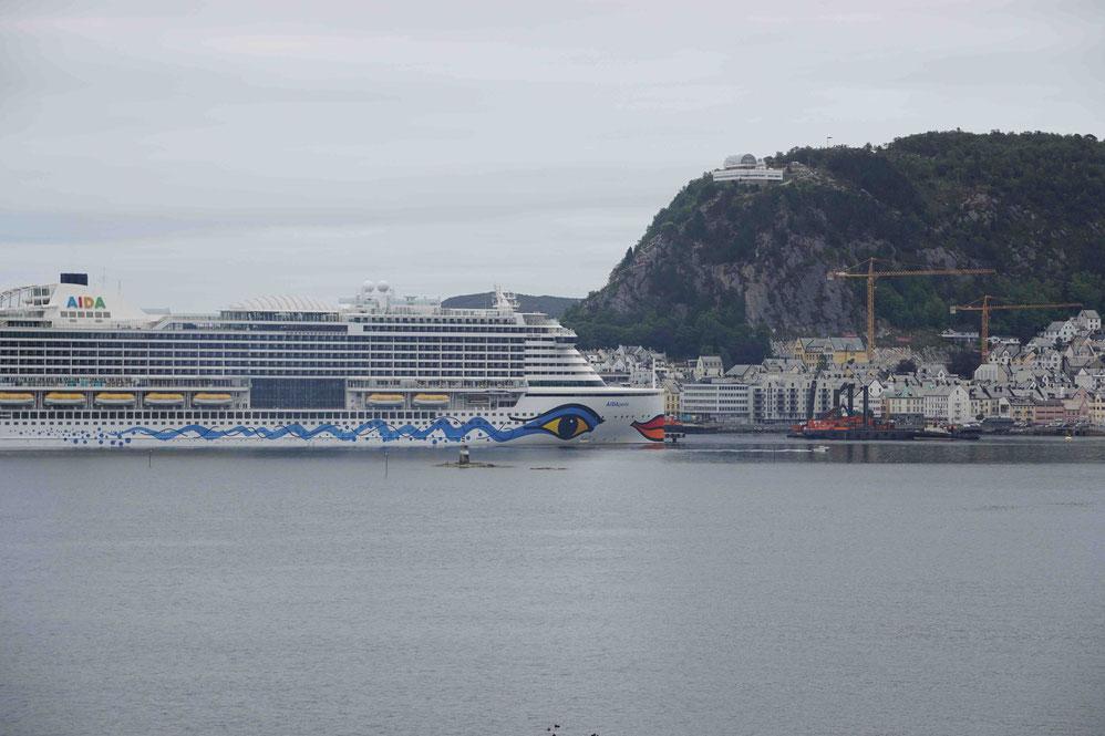 AIDAperla in Ålesund