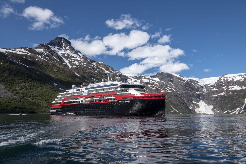 MS Fridtjof Nansen von Hurtigruten