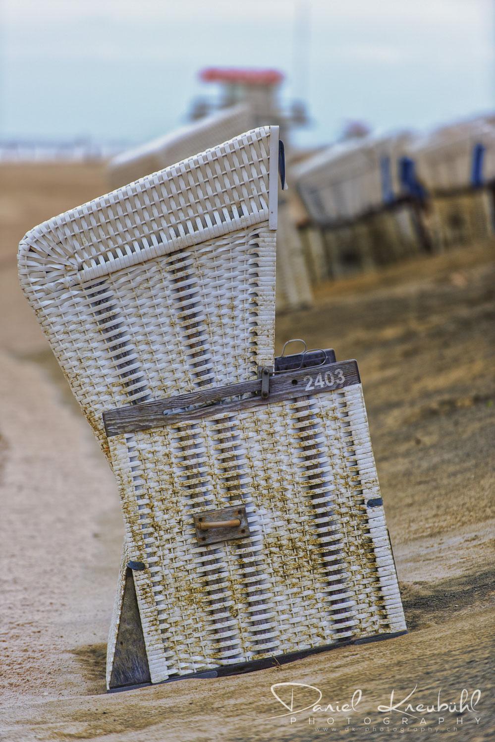 Strandkorb vom Sturm gezeichnet, Sylt, Nordsee, photoadventure.ch, dk-photography.ch,  Photographer/Fotograf: Daniel Kneubühl