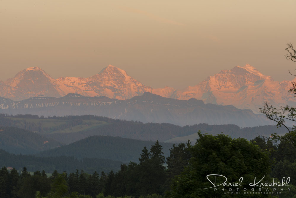 Eiger, Mönch, Jungfrau, in der goldenen Stunde, Berner Oberland, photoadventure.ch, dk-photography.ch,  Photographer/Fotograf: Daniel Kneubühl