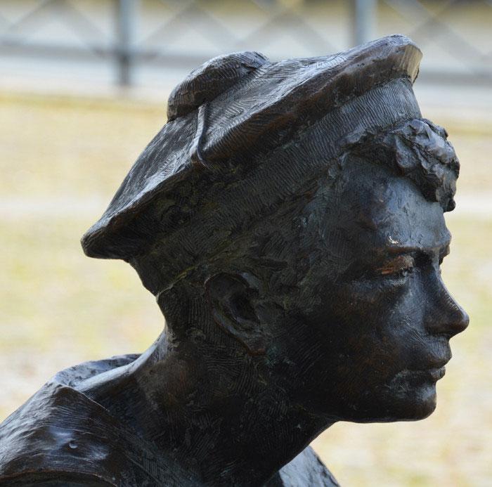 Statues Et Sculptures Dans Amiens Richesses En Somme Petit
