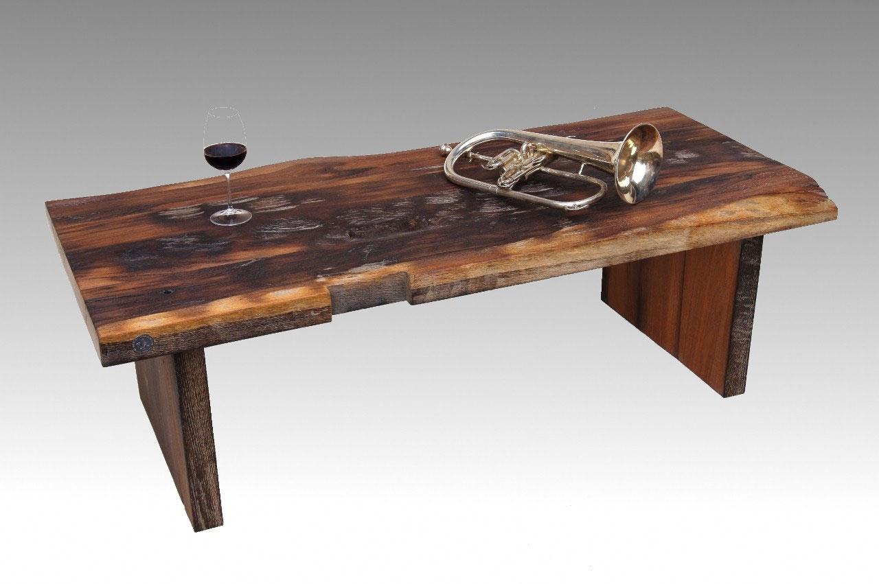 couchtisch alt couchtisch aus metall juri hela alten balken couchtische h henverstellbar. Black Bedroom Furniture Sets. Home Design Ideas