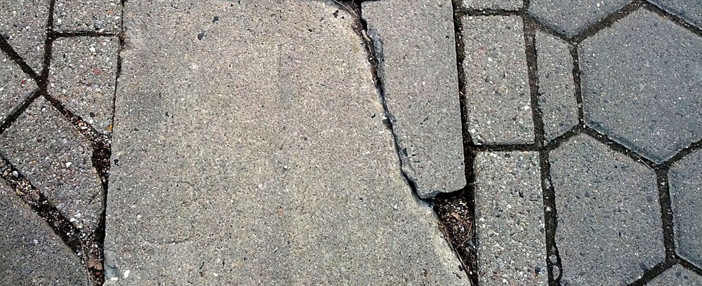 Berühmt Risse im Beton. Hier lesen, was gegen Beton-Risse hilft - ✓ IH12