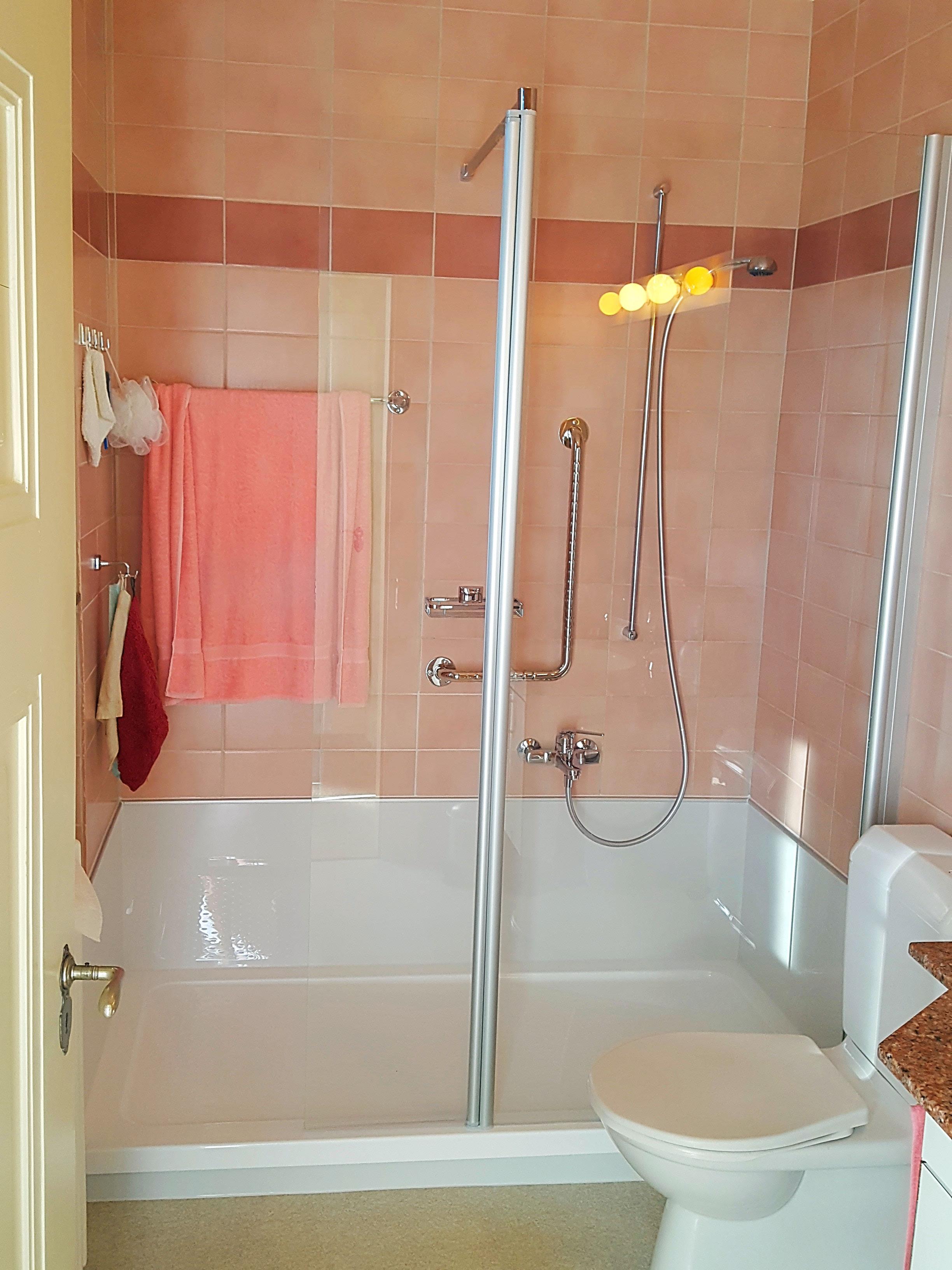 badewanne ausbauen dusche einbauen best badewanne entfernen und dusche einbauen kosten g nstige. Black Bedroom Furniture Sets. Home Design Ideas