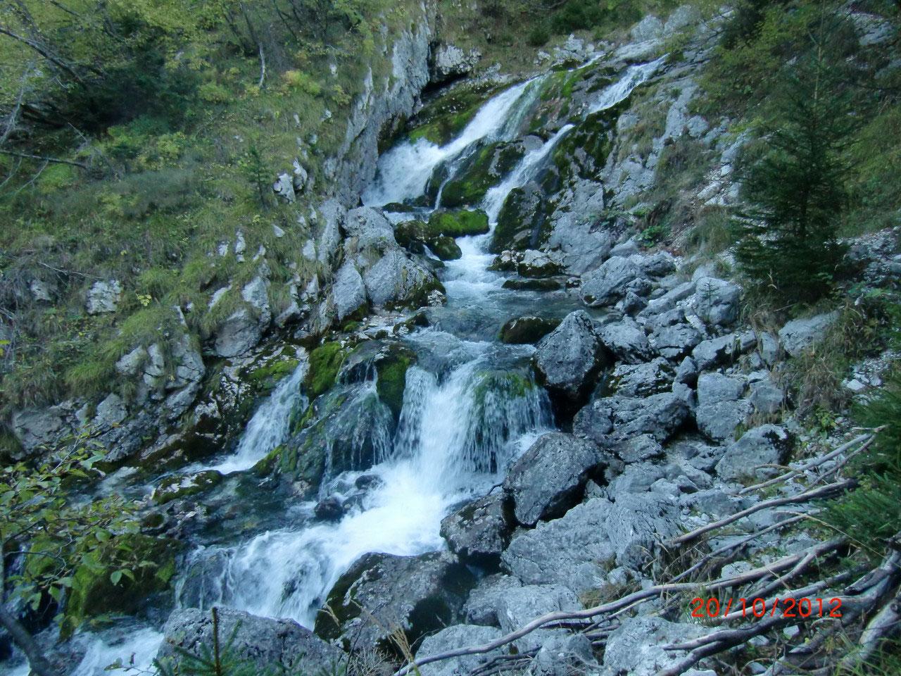 Klettersteig Soca Quelle : Soča quelle unterwegs im dreiländereck