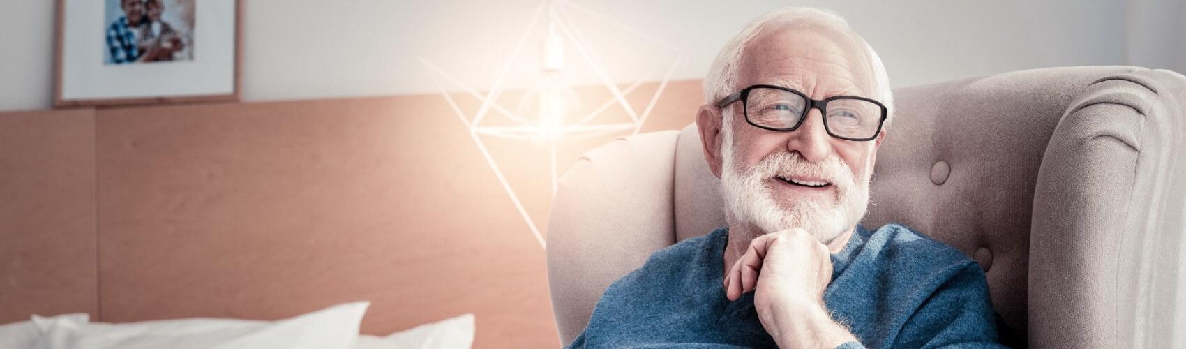 Retner-freut-sich-ueber-Pflegeversicherung
