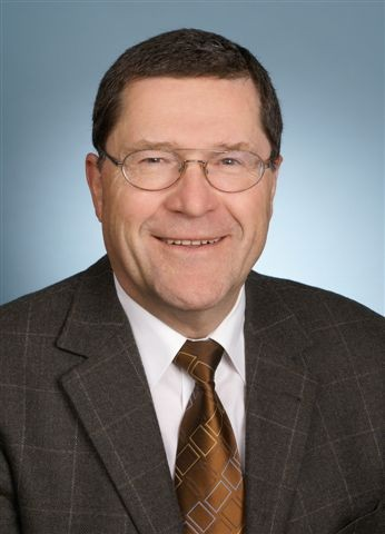 Retter des Liberale Synagoge-Funds: Der damalige Oberbürgermeister Peter Benz, Gründungs- und Vorstandsmitglied des Fördervereins Liberale Synagoge - setzte die Schaffung einer Gedenkstätte durch
