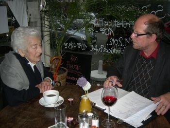 Elsbeth Juda im Gespräch mit Echo-Lokalchef Harald Pleines / Foto: FLS (Martin Frenzel)