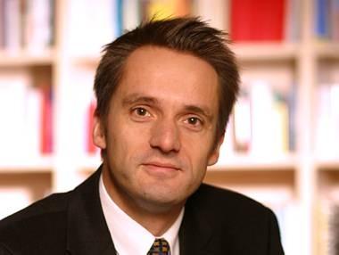 Renomierter Bonner Parteienforscher und Rechtspopulismus-Kennert: Prof. Frank Decker