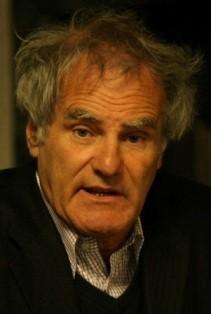 Hat seine Pläne für ein Darmstädter KARL WOLFSKEHL-STUDENTENWOHNHEIM exklusiv 2012 beim FÖRDERVEREIN LIBERALE SYNAGOGE vorgestellt: Der Vorsitzende der Moses-Mendelssohn-Stiftung, Prof. Julius H. Schoeps