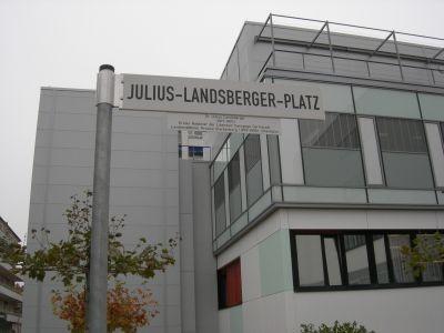 """Der neue Julius-Landsberger-Platz in Darmstadt: Fand sogar im """"Hamburger Abendblatt"""" Beachtung / Foto: Martin Frenzel (FLS)"""