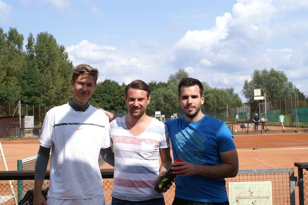 Sieger und Zweitplatzierter Herren Gruppe 9