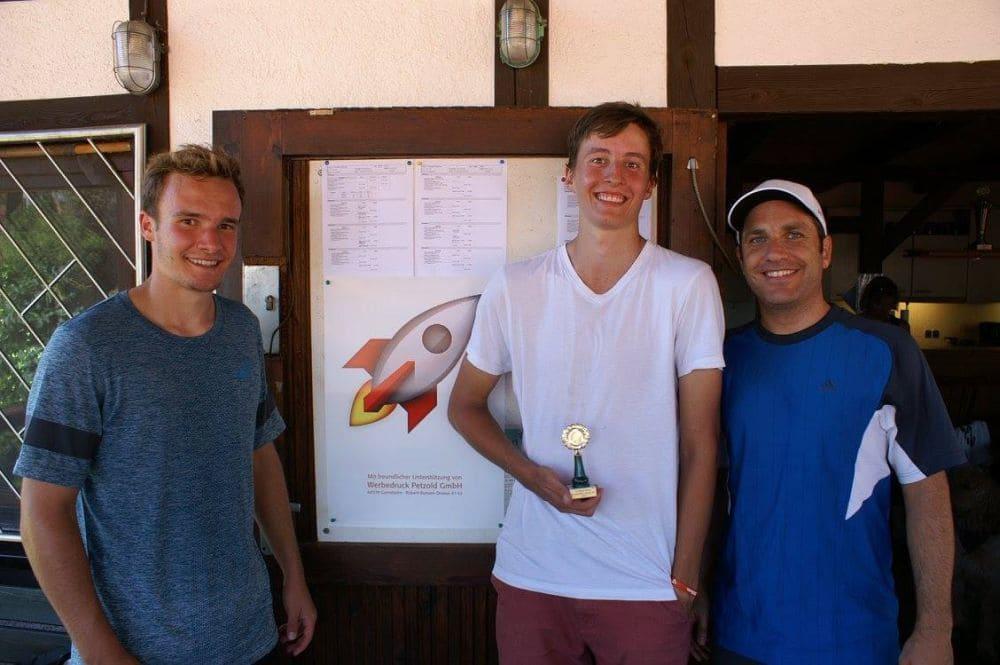 Herren Gruppe 3 - Zweitplatzierter Julian Pfeiffer, Sieger Felix Kegel und Drittplatzierter Carsten Hofer